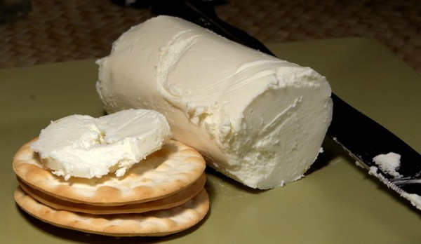 How to make Chevre Cheese Recipe at home, perfect cheese for beginners to make for their first time.