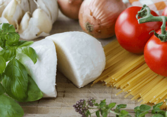 Mozzarella is the best cheese for pizza if you want that traditional Italian touch