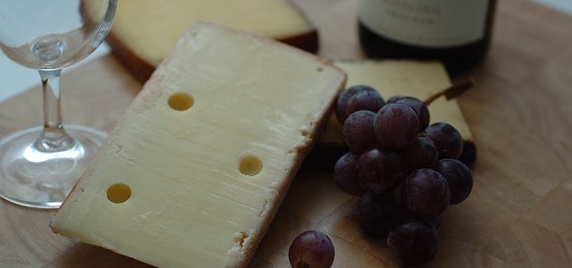 Health-benefits-of-eating-cheese